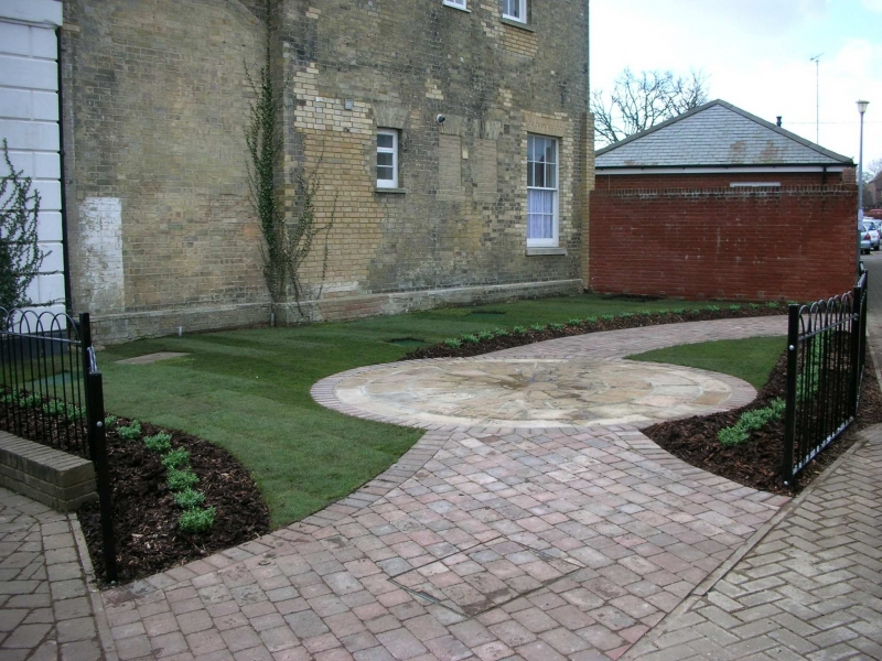 Hythe Drummond place garden (2)