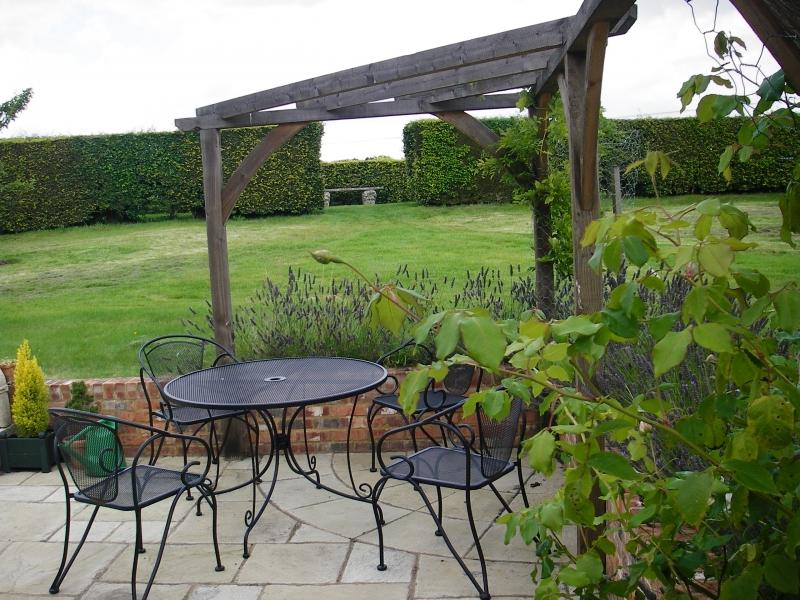Traditional garden design (4)