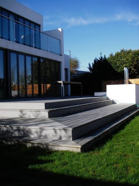 Contemporary Composite decking(7)