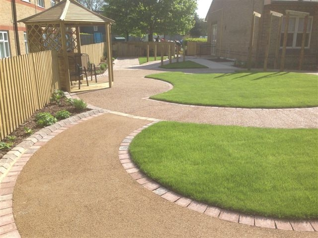 St Marks Hospital physiotherapy garden (12)